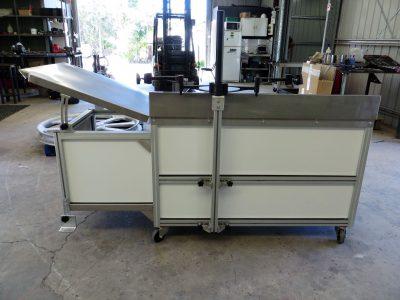 Aluminium profile integrated workstation