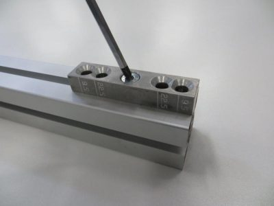 T slot Aluminium extrusion join 1