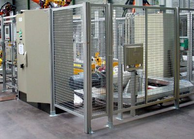 Safety fence from t-slot extrusion
