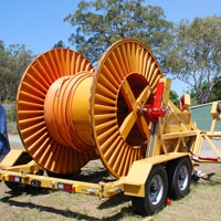 Manual cable trailer