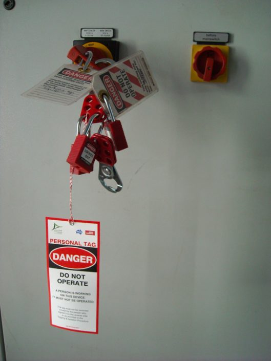 Tunnel safety tags